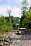 Kampeerterrein in de wildernis Stock Foto