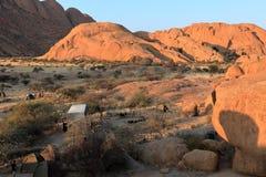 Kampeerterreinen in Spitzkoppe in Namibië stock foto's