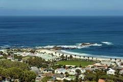Kampenbaai, de Atlantische Oceaan, Kaapstad Stock Afbeelding