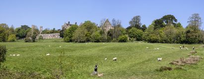 Kampf-Abtei und Kampf des Hastings-Schlachtfeld-Panoramas Stockbilder