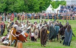 Kampf der Barbaren mit der römischen leichten Infanterie Festival ` Zeiten und Epochen stockbild