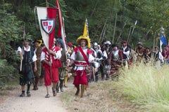 Kampf von Pavia: Britische Truppen auf dem Marsch Stockbilder
