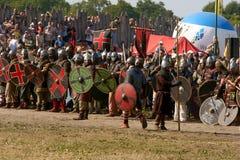 Kampf von Slawen und von Wikingern Lizenzfreie Stockfotografie