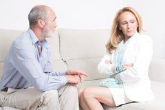 Kampf zwischen einem älteren Paar Lizenzfreies Stockfoto