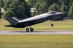 Kampfflugzeug Lockheeds F-35 Lizenzfreie Stockfotos