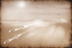 Kampfflugzeugprodukteinführungsrakete im Himmel Stockfoto