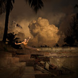 Kampfkunst-Sport-Training im Tempel-Pool Lizenzfreie Stockfotografie