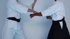 Kampfkunstpraxis auf Aikidotraining stock video