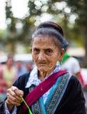 KAMPHAENGPHET,泰国- 2014 1月01日,所有族群在非常穷的泰国,但是有美好的文化,这个老Hmong部落 图库摄影