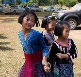 KAMPHAENGPHET, TAJLANDIA - Styczeń 08, 2014 Wszystkie grupa etnicza w Tajlandia prawdziwej biedzie ale piękną kulturę, Te dzieci  Fotografia Royalty Free