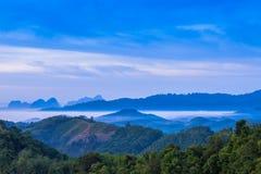 Kampieren auf dem Hügel an Gipfel Phu Tathan Lizenzfreie Stockfotos