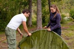 Kampieren mit Zelt Stockfoto