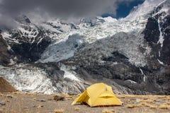Kampieren an Nord-niedrigem Lager Annapurna Stockfotos