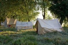 Kampierende Zelte. Lizenzfreies Stockbild