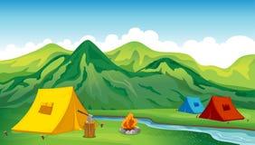 Kampierende Zelte lizenzfreie abbildung