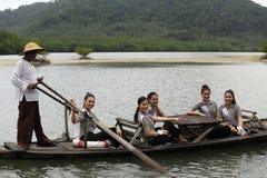 Kampierendes Ausflug-Reise-Fräulein Tourism Queen Thailand 2017 stockbilder