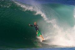 Kampioen Surfer die Mick het Surfen Hawaï waait stock foto