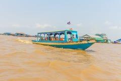 Kampong, Siem Reap, Cambodge février, 27 2015 : Touris non définis Image stock
