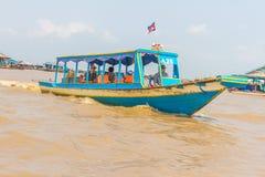 Kampong, Siem Reap, Cambodge février, 27 2015 : Touris non définis Images stock