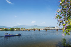 Kampot河沿在柬埔寨 免版税库存图片