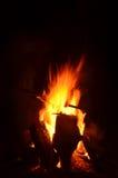 Kampvuurvlammen en sintels 7 Stock Foto's