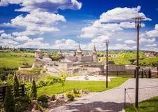 Kamyanets-Podilsky,乌克兰- 2017年6月18日:14世纪的古老堡垒 免版税库存图片