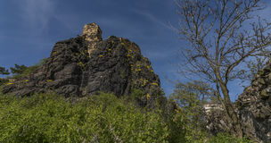 Kamyk城堡村庄和废墟  库存图片