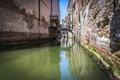 Kanäle und historische Gebäude von Venedig, Italien Lizenzfreies Stockbild