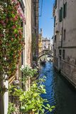 Kanäle und historische Gebäude von Venedig, Italien Stockfoto