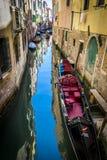 Kanäle und historische Gebäude von Venedig, Italien Lizenzfreie Stockfotos