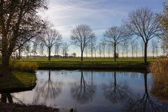 Kanäle von Amstelveen, Herbstzeit lizenzfreies stockfoto