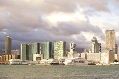 kan 000 19 243 456 2012 ankommen pråmaffärslast som bär den bortgångna områdesframdelen Hong Kong miljon r s skyttelåret för någr Royaltyfria Foton