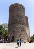 19 kan 2017 Baku, Azerbajdzjan Det jungfru- tornet, den forntida klosterbrodern, astronomiskt och fästning, av Icheri Sheher Arkivbild