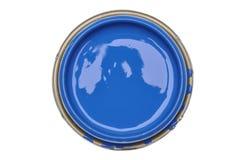 Kan deksel met blauwe die verf op witte achtergrond wordt geïsoleerd royalty-vrije stock foto