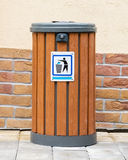 8 kan eps-illustrationen över avfallvektorwhite Arkivfoton