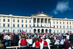 17 kan oslo Norge Slottsparken Royaltyfria Bilder