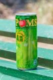 Kan van Apple Poms drinken Poms is merk behoort het Coca-Cola-Bedrijf stock afbeelding