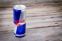 Kan van Red Bull-Energiedrank Stock Afbeeldingen