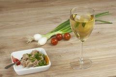 Kan van tonijn, een gezonde maaltijd met groenten Royalty-vrije Stock Afbeelding
