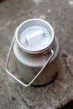 Kan voor melk Royalty-vrije Stock Foto's