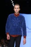 Kan Yunus Cetinkaya Catwalk in Mercedes-Benz Fashion Week Istanbul Stock Fotografie