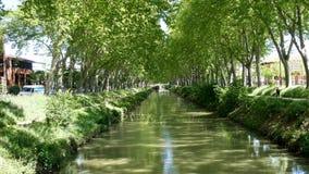 Kanał du Midi w mieście Tuluza, Francja zbiory wideo