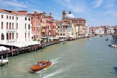 Kanał Grande z łodziami Wenecja, Włochy - 23 04 2016 Fotografia Stock