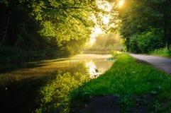 Kanał na słonecznym dniu obrazy royalty free