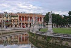 Kanał Prato della Valle kwadrat, Padua, Włochy Fotografia Royalty Free