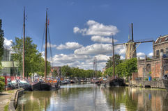 Kanał w Gouda, Holandia obrazy royalty free