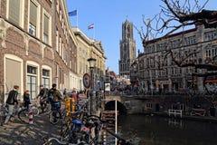 Kanałowy i kościelny wierza w Utrecht, Holandia Obrazy Stock