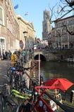 Kanałowy i kościelny wierza w Utrecht, Holandia Fotografia Royalty Free