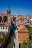 Kanały, Górują, i domy Wenecja zdjęcia royalty free