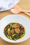 Kana MOO-krob (thailändisches Lebensmittel) Stockfotos